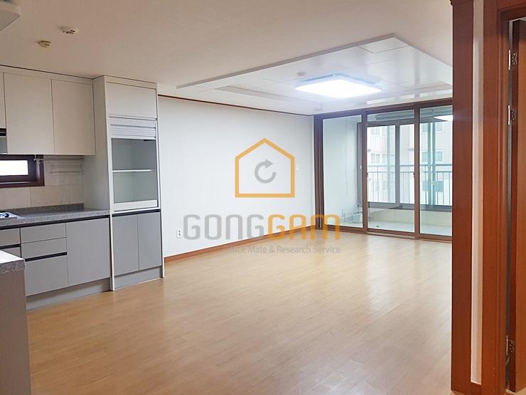 마포구청역아파트임대 쓰리룸,넓은베란다