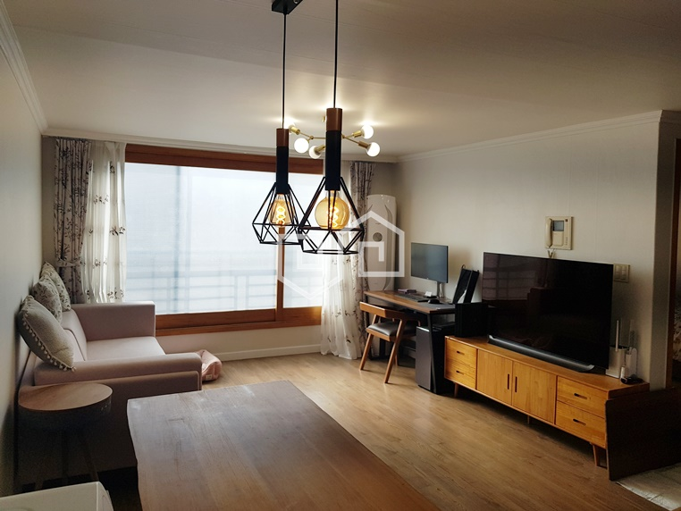 거실넓은 홍대투룸 전용 넓고 채광이 좋음