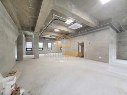 신축 홍대사무실 2개층사용 높은 층고