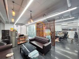 신축급 홍대사무실 3개층사용 예쁜 내부